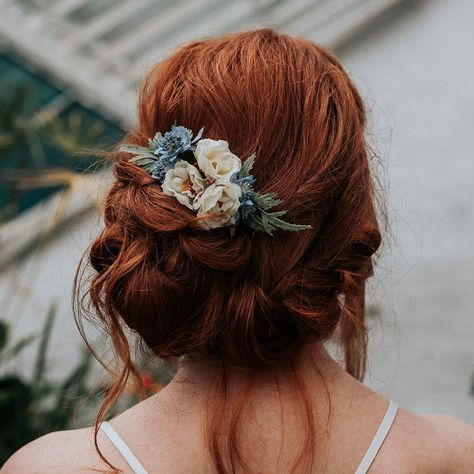Lara Wild Rose Hair Comb Are you interested in our bridesmaid hair accessory? With our flower hair c Hair Comb Wedding, Wedding Hair Flowers, Wedding Hair Pieces, Wedding Hair And Makeup, Flowers In Hair, Bridal Hair, Bridesmaid Hair With Flowers, Whimsical Wedding Hair, Bridesmaid Hair Down