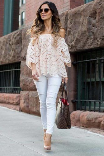 Off the Shoulder Tops That Show a Sexy Bit of Skin ★ See more: http://glaminati.com/sexy-off-the-shoulder-tops/