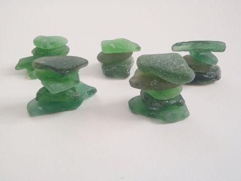 #sea #glass #seaglass #dawanda #lasoffittadiste Cabochon in vetro - vetri di mare verde materiale per creare gioielli - un prodotto unico di LaSoffittaDiSte su DaWanda