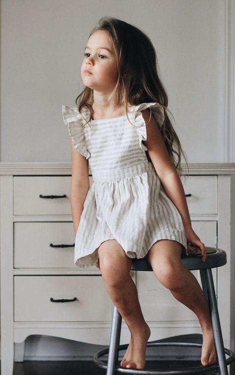 That little face just melts my heart!! #LittleGirlFashion #KidsFashionOutfits