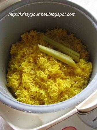 Cara Membuat Nasi Kuning dengan Rice Cooker Praktis