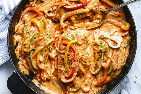 Creamy Chicken Fajita Skillet Recipe – Chicken Fajita Recipe — Eatwell101