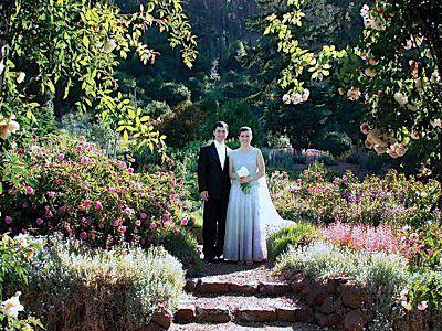 Uc Botanical Garden Berkeley California 4 Garden Wedding Venue Berkeley Wedding Venues Botanical Gardens Wedding