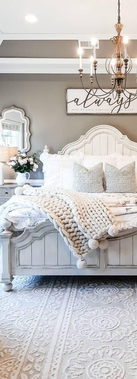 Farmhouse bedroom designed by Bridgeway Designs #farmhouse #farmhousestyle #countrybedroom #farmhousemasterbedroom #decoratingideas #masterbedrooms #masterbedroomideas