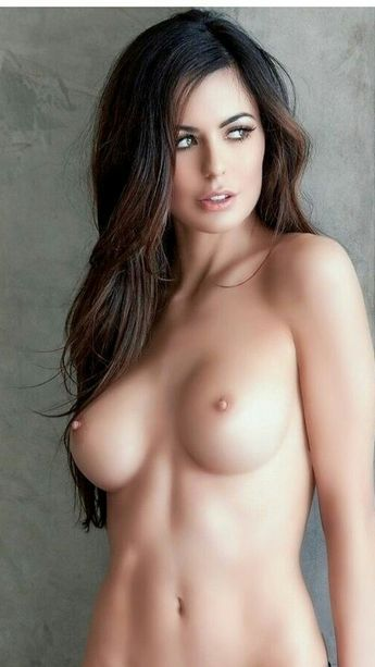 Hot chicks topless