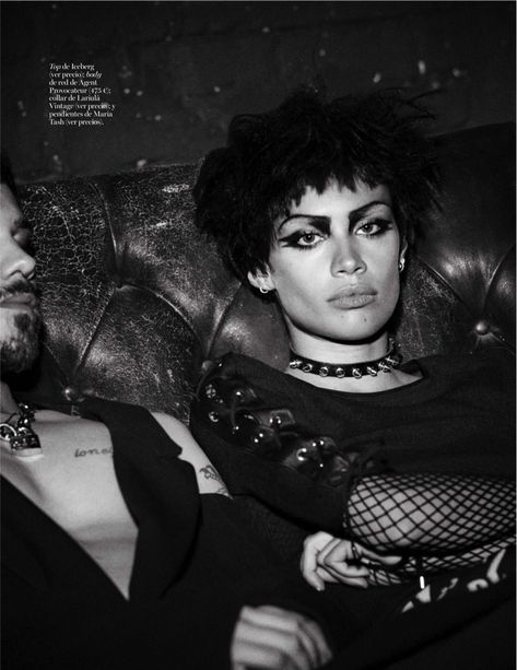 punk fashion Sara Sampaio trades in her long locks for a short hairstyle in the fashion spread stars in Vogue Spain February 2016 issue Sara Sampaio, Chicas Punk Rock, Pretty People, Beautiful People, Punk Mode, Punk Makeup, Look Man, Vogue Spain, Mode Editorials