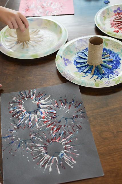 Easy of July Firework Craft – Start at Home Decor – Patriotic – Home crafts Kids Crafts, Daycare Crafts, Baby Crafts, Preschool Crafts, Projects For Kids, Craft Projects, Arts And Crafts, Craft Ideas, Crafts At Home
