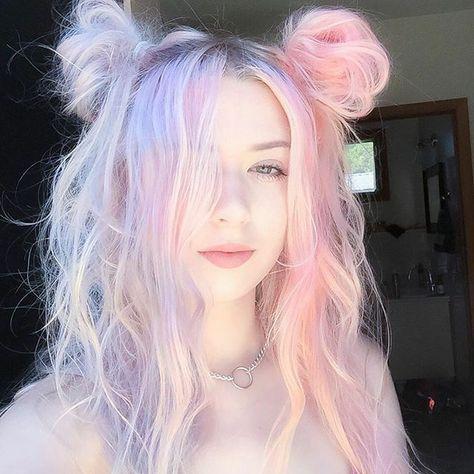 Pastel hair - pink hair - purple hair hair and wigs in 2019 Hair Dye Colors, Cool Hair Color, 2 Tone Hair Color, Two Toned Hair, Creative Hair Color, Girl Hair Colors, Hair Mascara, Hair Curler, Pastel Pink Hair