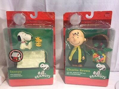 Charlie Brown Christmas Dec 2020 Snoopy W Doghouse Charlie Brown Christmas w Hat Scarf Pathetic