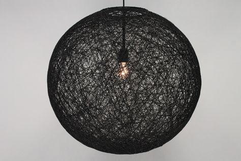 Slaapkamer Lamp Zwart : Leuke hanglamp in het zwart de bol is gemaakt uit touw de lamp