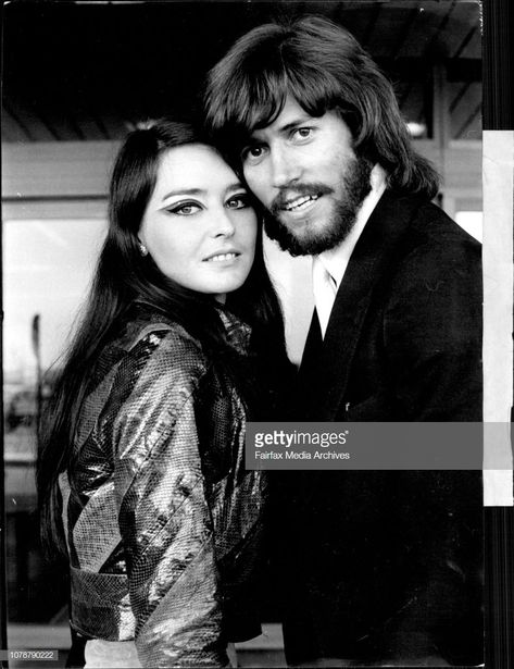 Nachrichtenfoto : Two members at the bee Gees arrive Maureen Gibb...