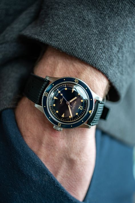 Hands-On: The Baltic Aquascaphe Diver - HODINKEE Baltic jumps into the deep end with their thoughtful and detailed take on a new-vintage diver. Stylish Watches, Luxury Watches For Men, Cool Watches, Rolex Oyster Perpetual, Army Watches, Sport Watches, Watches Photography, Timex Watches, Skeleton Watches