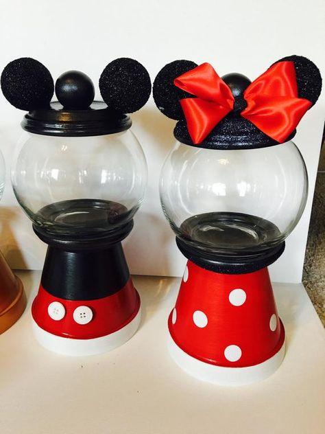 Disney Diy, Disney Crafts, Disney Magic, Mickey Mouse Crafts, Mickey Y Minnie, Mickey Party, Mickey Mouse Clubhouse Birthday Party, Minnie Mouse Party, Mickey Mouse House
