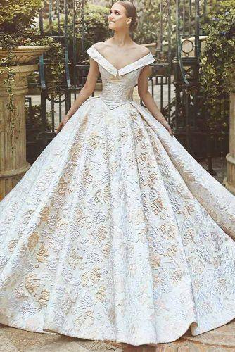 24 Fabulous And Unique Vintage Wedding Dresses To Fit Any Taste Bridalfashion Craz Fancy Wedding Dresses Poofy Wedding Dress Lace Wedding Dress Vintage