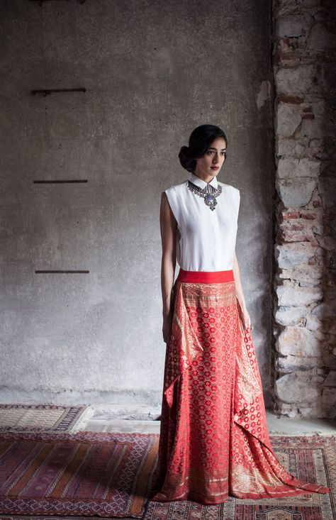 Payal Khandwala rethinks festive dressing | Vogue India | Section :- News | Subsection :- Vogue Loves | Author : - Rujuta Vaidya | Embeds : - slideshow-notext | Covers : - no-cover | Publish Date:- 09-28-2015 | Type:- Article