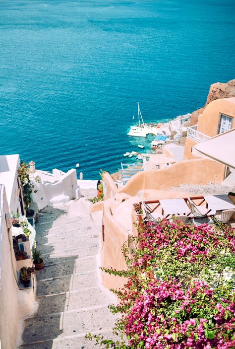 3 days in Santorini you will never forget! - Must see things to see and do on Santorini! Greece Vacation, Greece Travel, Vacation Spots, Italy Travel, Vacation Places, Crete Greece, Santorini Greece, Athens Greece, Romantic Vacations
