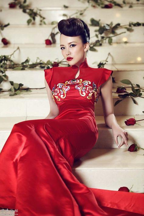 d8349acae No doubt a lovel choice for a wedding Red Qipao or Red Cheongsam ...