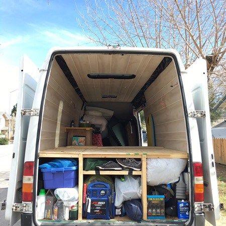 27++ Van with bed dekstop