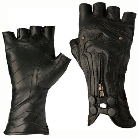 Fingerless leather gloves are perfect for any archer. (Or Steampunk cosplay! Steampunk Gloves, Steampunk Accessoires, Mode Steampunk, Steampunk Fashion, Steampunk Clothing, Archery Gloves, Mode Inspiration, Mode Style, Costume Design