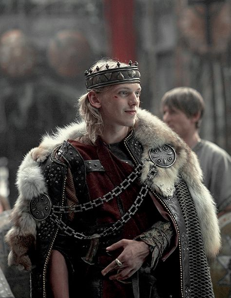Jamie Campbell Bower as Jezal dan Luthar Fantasy Inspiration, Character Inspiration, Roi Arthur, King Arthur, Jamie Campbell Bower, Medieval Costume, Medieval Clothing, Medieval Fantasy, Fantasy Characters