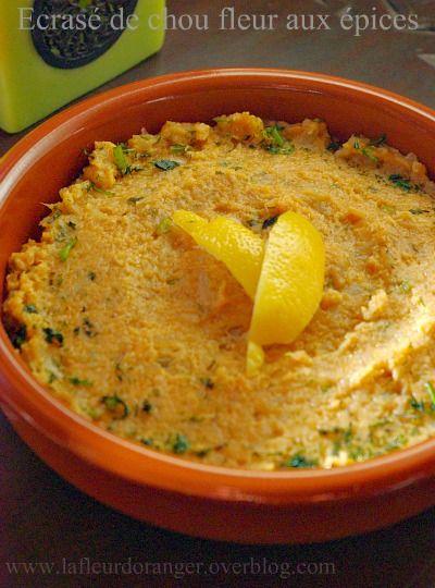U ne recette de cuisine marocaine appelée zaalouk au chou-fleur, se mange comme salade cuite ou comme accompagnement viande. il y a plusieurs type de zaalouk, le plus connu c'est zaalouk aux aubergines , sinon à la citrouille, aux carottes, aux gombos,...