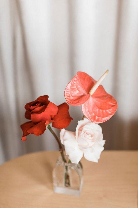 A gorgeous Valentine's elopement at Las Vegas's downtown chapel Sure Thing. #lasvegas #lasvegaselopement #elopementinspiration #weddinginspiration #minimalwedding #modernwedding #minimalism