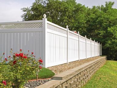 Wood Vs Vinyl Fence Does The Never Rots Brag Have Any Truth White Full Panel Vinyl Fence White Vinyl Fence Wood Fence Design Fence Design