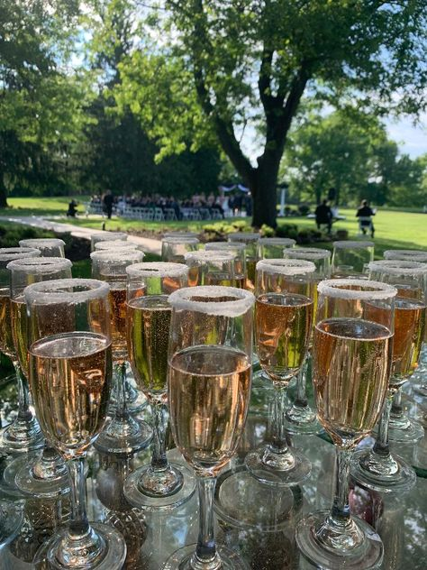 At Ramblewood, our servers will be lined up at the entrance of your cocktail hour to pass our champagne, wine, or feel free to grab a drink from the full service bar provided!! #RonJaworskiWeddings #RamblewoodCountryClub #NewJerseyWedding#RusticWedding #WeddingVenue #NJWeddingVenue #NJWeddings #CocktailHour #OutsideWedding #Champagne #Wine #SignatureCocktails