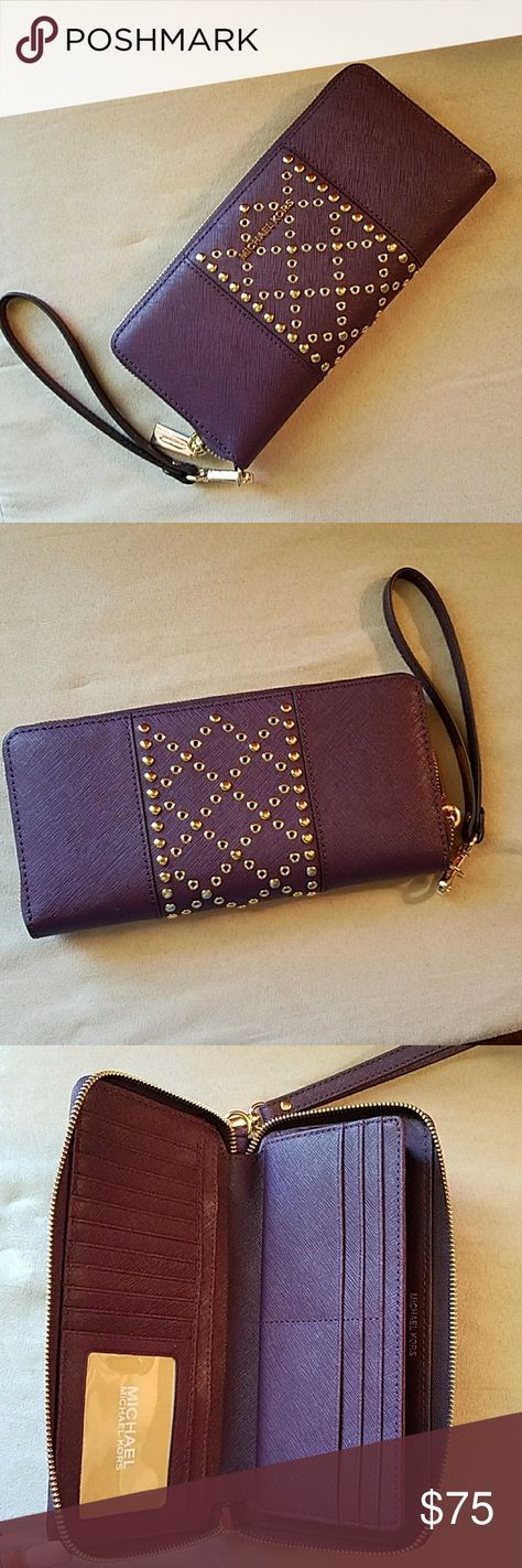 ebe48aace9db NWOT Michael Kors purple wallet wristlet Beautiful new without tag ...
