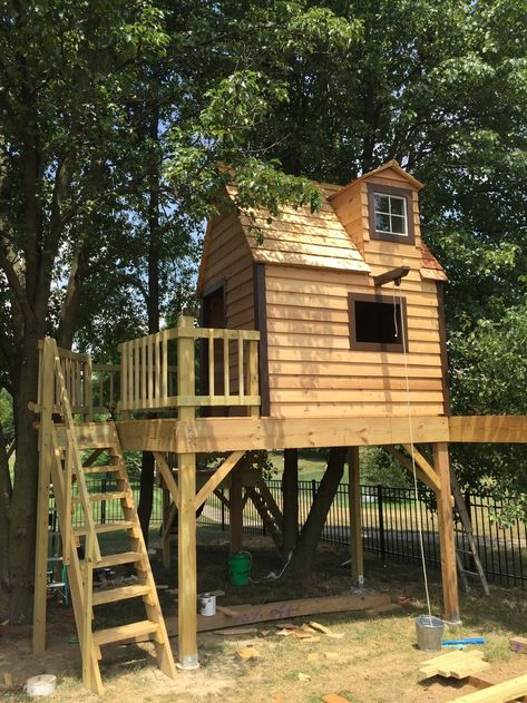 Treehouse Playhouse Ideas Cedar Siding And Roof Are Finally Installed On The Clubhouse Treehouse Cedar Roof Treehouse Wi Cedar Roof Tree House Tree House Diy