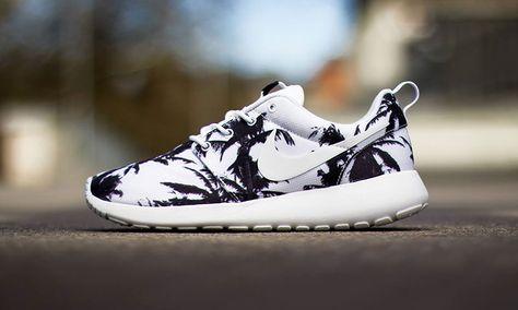 NIKE ROSHE RUN #PALM TREE! | Nike shoes