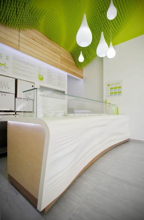Image 4 of 24 from gallery of Froyo Yogurteria / Ahylo Studio. Courtesy of Ahylo Studio