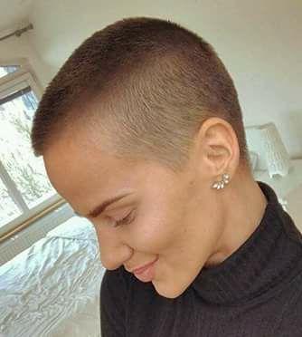 Frisur Damenhaar Schonheit Frisuren Kurzes Haar In Kurze V