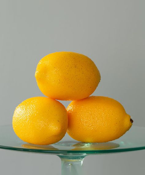 The perfect alternative to the real thing, these faux lemons are ideal for adding an interesting accessory to your home. We think it would look delightful piled high in a gorgeous bowl to create a striking table centrepiece!