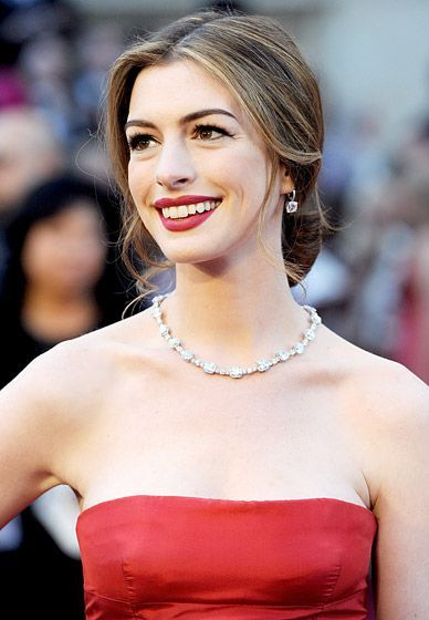 Most Expensive Red Carpet Jewelry Ever Red Carpet Jewelry Red Carpet Hair Celebrity Hairstyles