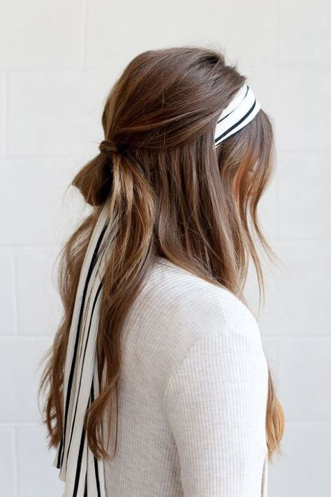 The Prettiest Hair Scarf Styles For This Summer - DIY Darlin' - - Ready for prettiest hair scarf styles? Hair scarfs are the perfect accessory to a beach-wave ponytail, an effortless and messy updo, or a casual braid. Loose Hairstyles, Headband Hairstyles, Summer Hairstyles, Braided Hairstyles, Latest Hairstyles, Prom Hairstyles, Easy Pretty Hairstyles, Festival Hairstyles, Stylish Hairstyles