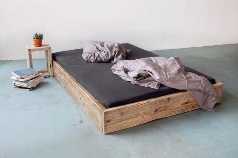 Massives Holzbett aus Bauholz! 160 x 200 von UpCycle.Berlin - nachhaltiges Wohn-Design auf DaWanda.com