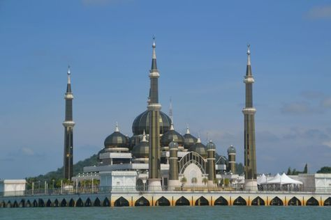 Crystal Mosque, Terengganu, Malaysia | la mosquee de cristal a kuala terrenganu consideree comme l une des ...