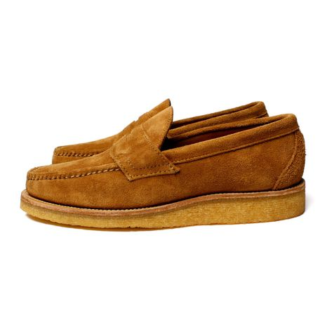 * Genuine moccasin construction     * Horween flesh-out leather upper     * Vegetable-tanned leather insole     * Vegetable-tanned leather midsole     * 100% natural crepe wedge sole     * Made in the U.S.A.     * Sizing Guide: Yuketen moccasin styles are true to US standard size.       We recommend checking your shoe size in the New Balance Made in USA       models (ex. 993, 996, 998) or on the Brannock Device.        Ex. If your size is US 9D in the Made in USA New Balance shoes, you  ...