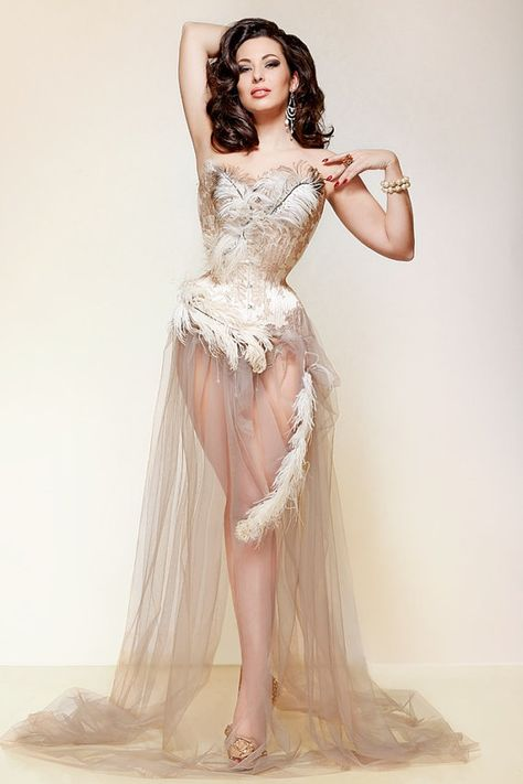 ★ Soulful White ★ Oyster Corset Gown 22 inch closed waist by sparklewren on Etsy, £900.00