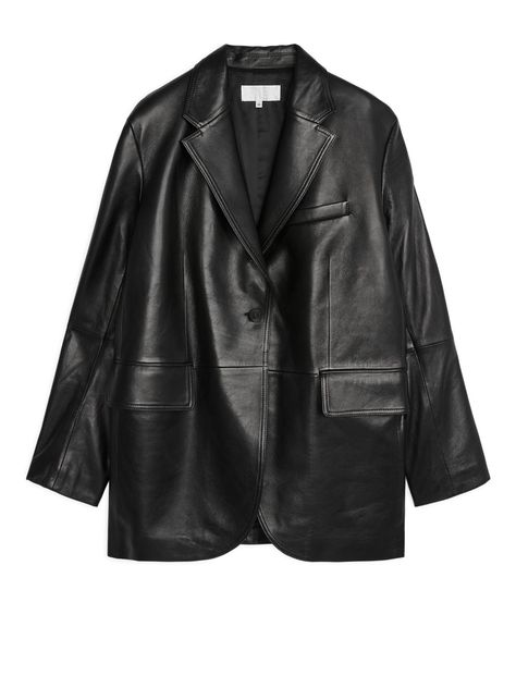 Shop for Arket Oversized Leather Blazer at ShopStyle. Black Turkey, Moda Outfits, Jeanne Damas, Vetement Fashion, Black Blazers, Look Chic, Mode Style, Who What Wear, Timeless Fashion