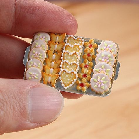 Miniature Butter Cookies - Handmade miniature food in 12th scale for dollhouses | by Paris Miniatures