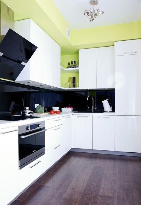 farbgestaltung weiße küche wandfarbe grün schwarzer glas - küche in u form