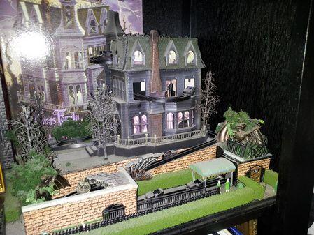Addams Family Theme Park Model Dark Ride