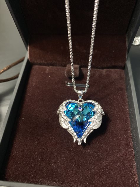 Women/'s Sky Blue /& Silver /'Love/' Pendant Necklace Angel Wings Crystal Stones UK