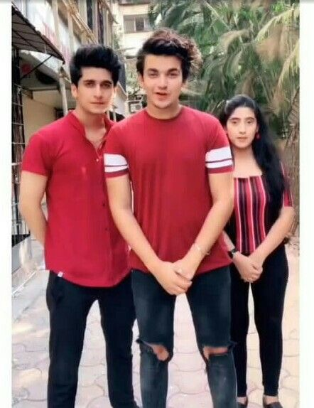 Pin By Vrashti Sharma On Vishal Pandey Tik Tok Cute Actors Cute Friends Best Friendship