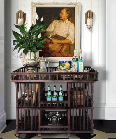 Bar cart styling the British colonial way Tropical Home Decor, Tropical Houses, Tropical Interior, Tropical Colors, Tropical Furniture, Bandeja Bar, Urban Deco, West Indies Style, West Indies Decor