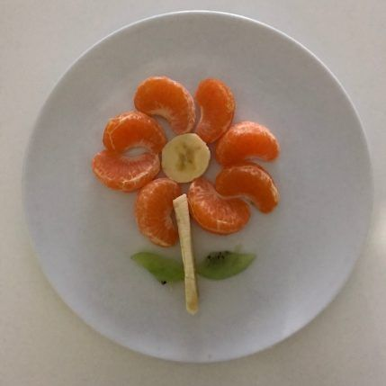 25 Ideas Con Frutas Divertidas Mamá Y 1000 Cosas Más Platos De Frutas Fruta Divertida Fruta Para Niños