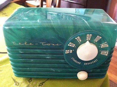 Retro Clock, Vintage Clocks, Vintage Antiques, Art Deco Movement, Retro Radios, Television Set, Antique Radio, Old Music, Record Players