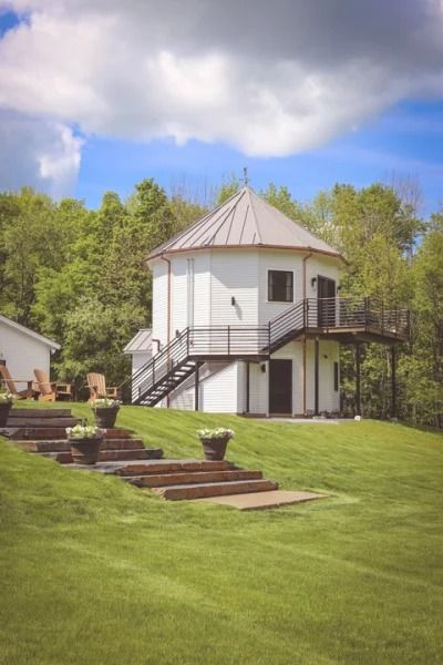 11 Quiet Cottages And Cabins To Rent In The Berkshires Williamstown Cottage Rental Mountain View